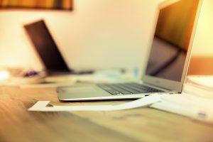 Plataformas definem quanto custa um site